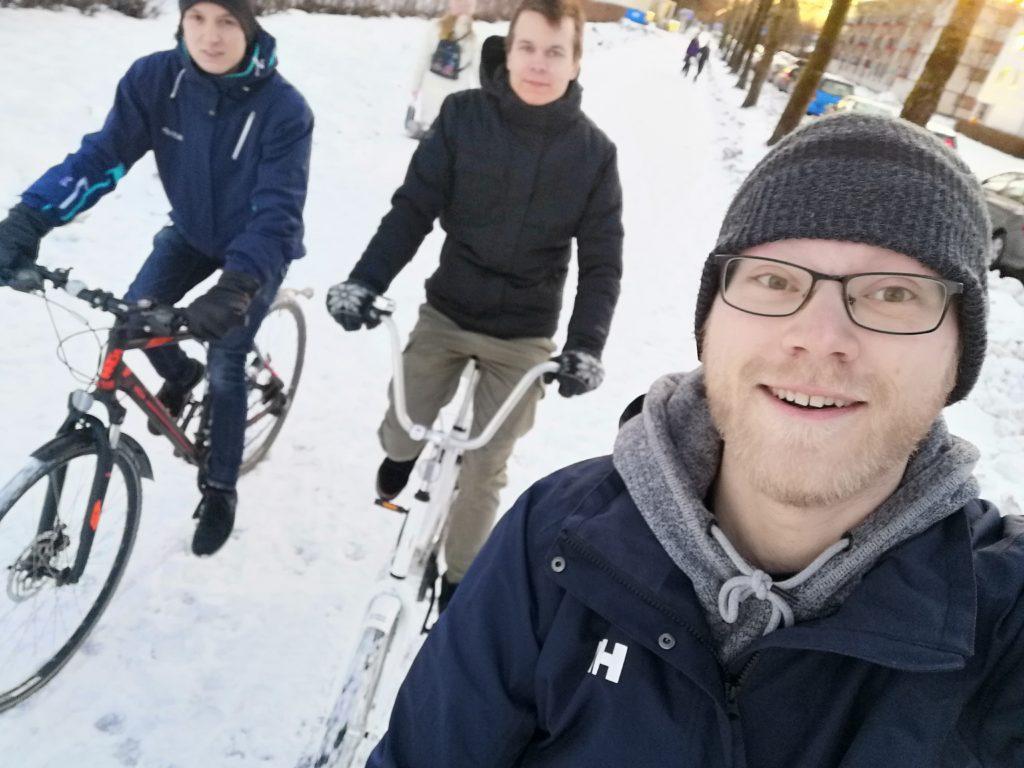 Lounastajan porukka pyöräilemässä